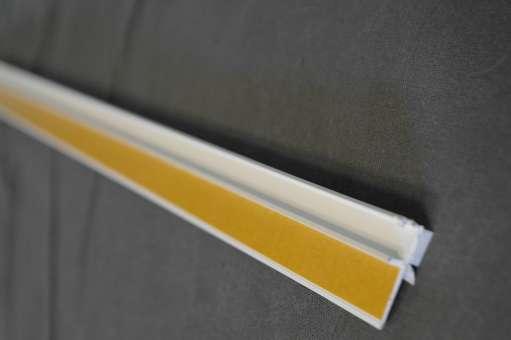 Anputzleiste mit Schutzlippe 6 mm, 2,40 mtr. Länge, 2 BUND